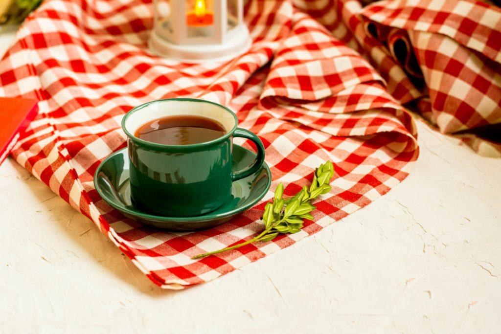 4 étapes à suivre pour coudre votre propre nappe de table