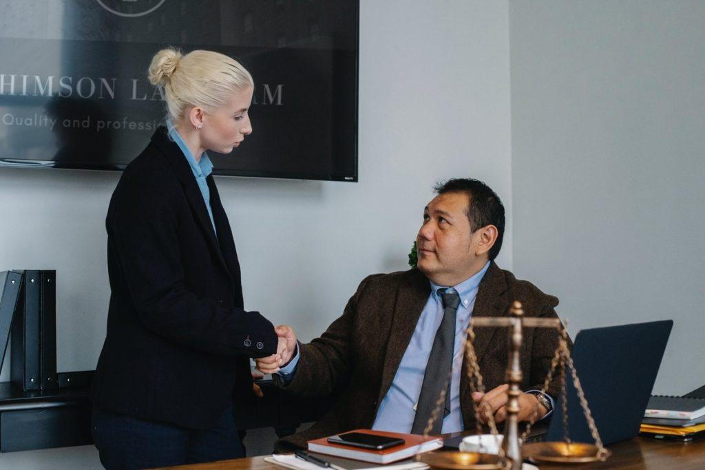 Quand  vous devez choisir un avocat en droit du travail ?